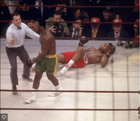 Frazier knocks down Ali in 1971 - the Fight of the Century